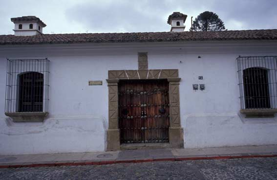 La antigua doors guatemala pictures travel pictures for Puerta blindada antigua casa gutierrez
