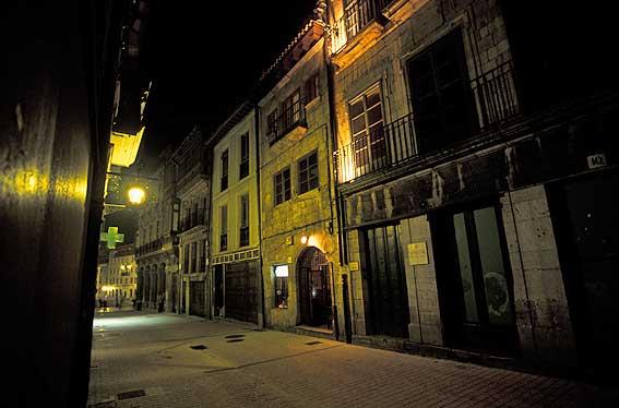 Vecindario Oviedo_noche15