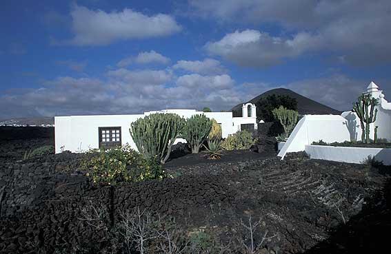 Lanzarote pictures fotos de lanzarote islas canarias - Casa de cesar manrique en lanzarote ...