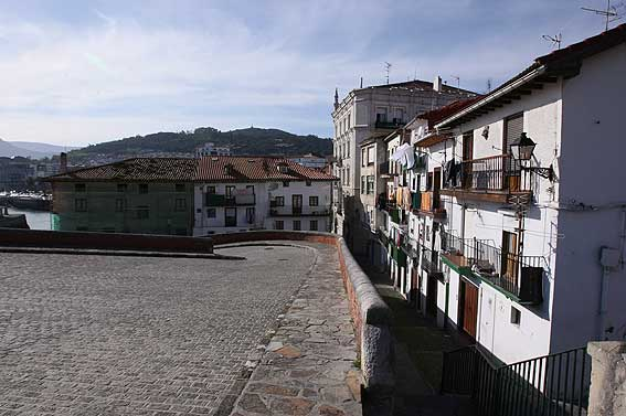 Castro urdiales cantabria pictures photography gallery of for Calle jardines bilbao