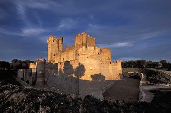 La mota castle medina del campo castilla y le n pictures photography gallery of castilla y - Sofas medina del campo ...
