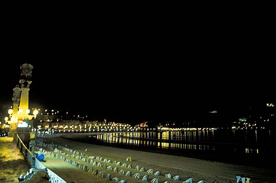 Donostia by night, San Sebastián pictures,Travel pictures ...
