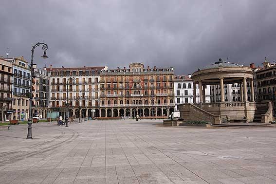 Plaza del Castillo Pamplona pictures Navarra , Iruña ...